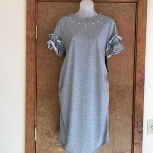 Adorable gray maternity dress by Flutter and Kick